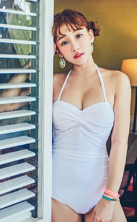 性感維多 扭結露背顯瘦連身泳衣 M-L AINIA - 白色
