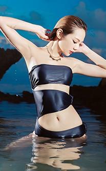 維多秘境 挖腰式性感出擊連身泳裝 S-L AINIA - 黑色