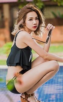 LA風潮 個性挖腰連身泳衣 M-XL AINIA - 黑色