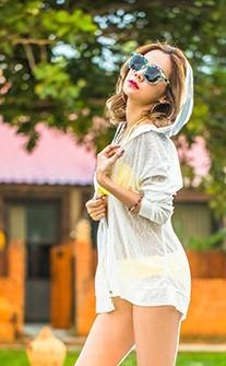 精彩蛻變 泳衣經典外罩衫 FREE AINIA - 白色