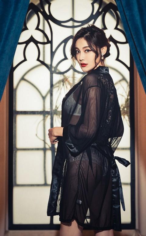 床第尤物 絲緞透視柔紗睡袍 FREE anSubRosa - 黑色