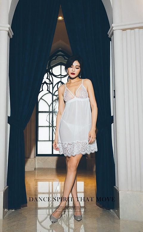 雪花迷陣 蕾絲透視後開式睡衣 FREE anSubRosa - 白色