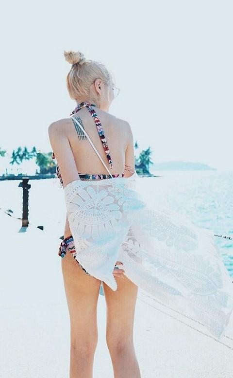 唯美透膚 女神級最顯瘦透膚罩衫 FREE AINIA - 白色