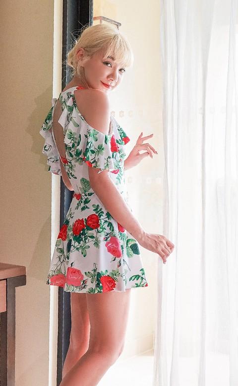 波波薔薇 浪漫荷葉連身泳衣 M-L AINIA - 白色