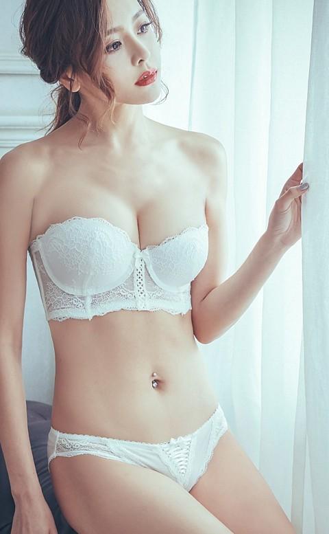 女神美蒂絲 平口半罩馬甲成套內衣褲 A-C anSubRosa - 白色