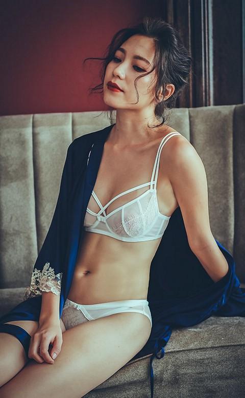 霓虹女伶 復古無襯鋼圈成套內衣褲 B-D anSubRosa - 白色