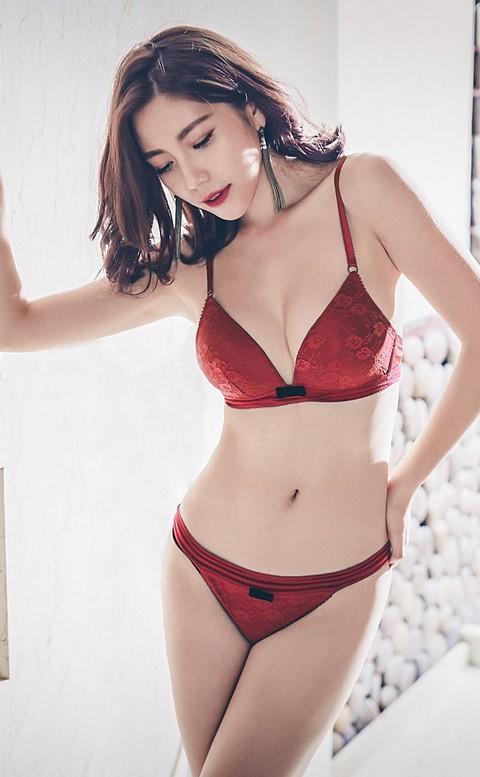 紛飛花語 無鋼圈柔軟蕾絲成套內衣褲 B-C anSubRosa - 紅色