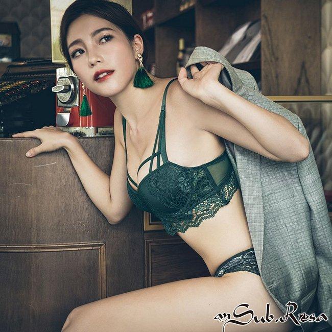 伯爵吻痕 絕美刺繡成套內衣褲 A-C anSubRosa,蕾絲,內衣,內衣推薦,包覆,下厚上薄