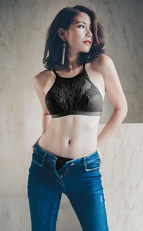曖昧巴黎 蕾絲高領無襯成套內衣褲 S-XL anSubRosa - 黑色