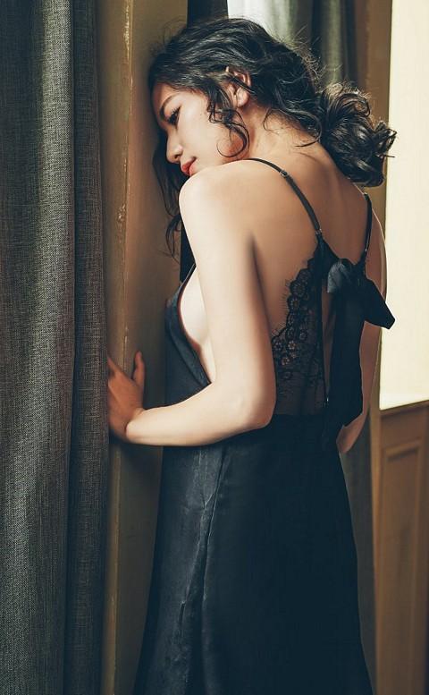 夢境佳人 緞面絲質連身睡衣 FREE anSubRosa - 黑色