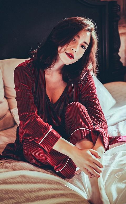 法式午後 絲絨坑條居家成套睡衣 FREE anSubRosa - 酒紅