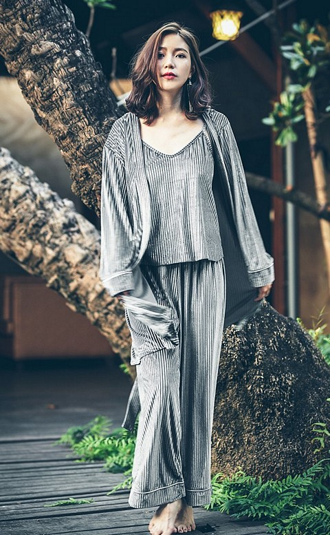 法式午後 絲絨坑條居家成套睡衣 FREE anSubRosa - 灰色