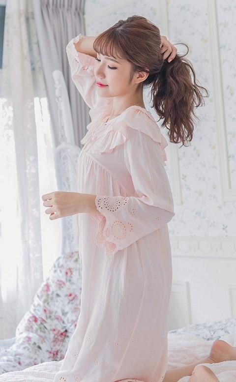 微風詩篇 甜美荷葉邊連身睡衣裙 FREE nalla - 粉色