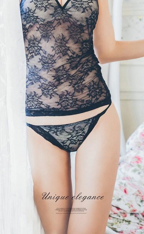 迷幻花園 高衩蕾絲蜜桃臀內褲 M-XL nalla - 黑色