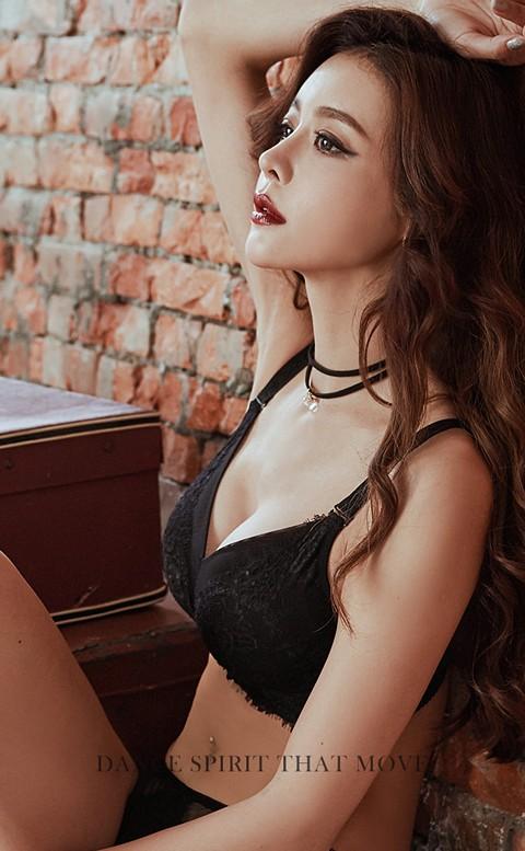 幻夜魅影 絕美睫毛蕾絲無鋼圈內衣 B-C anSubRosa - 黑色