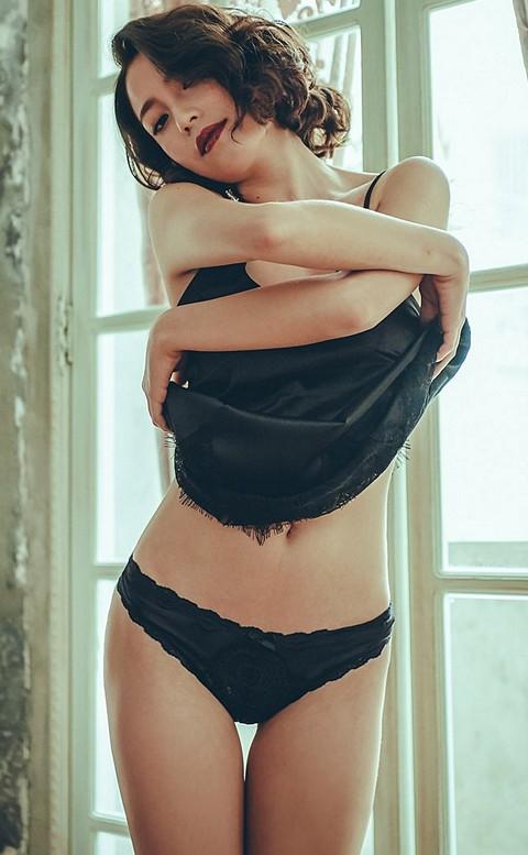 風靡巴賽 彈性性感蕾絲丁字褲 M-L anSubRosa - 黑色