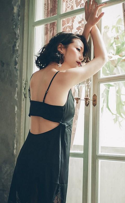 羅曼精靈 美背緞面連身睡衣 M-L anSubRosa - 黑色