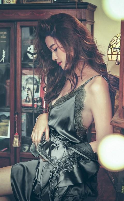 獨佔思念 緞面睫毛蕾絲連身睡衣 M-L anSubRosa - 黑色