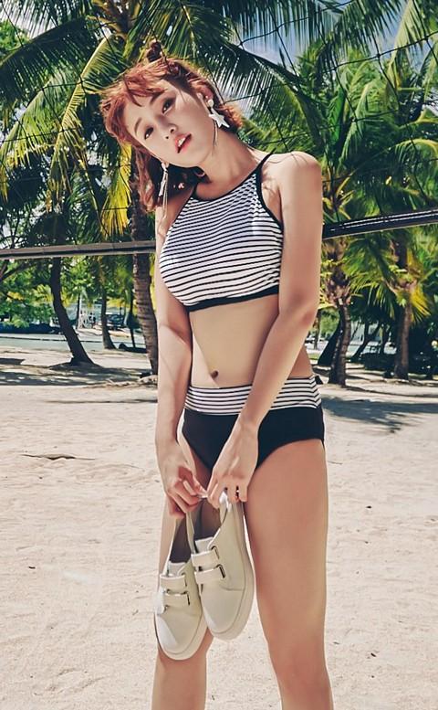 經典復刻 復古條紋抹胸式兩件式泳衣 M-XL AINIA - 黑色