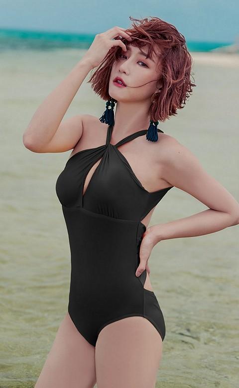 絕色主宰 率性繞頸美背連身泳衣 M-XL AINIA - 黑色