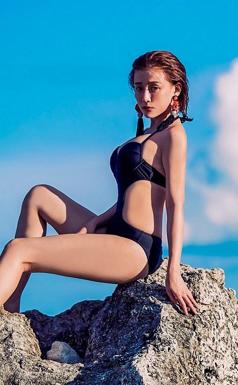極致女爵 深V挖腰連身泳衣 M-XL AINIA - 黑色