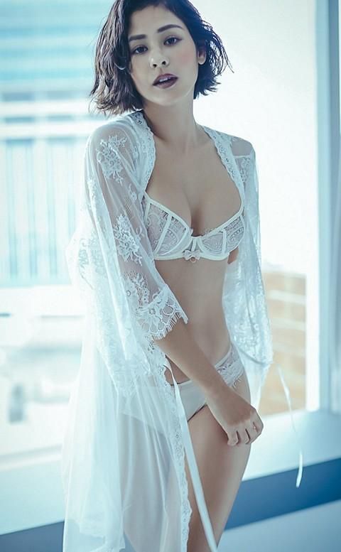 輕羽序章 柔嫩細緻睫毛蕾絲睡袍 FREE anSubRosa - 白色
