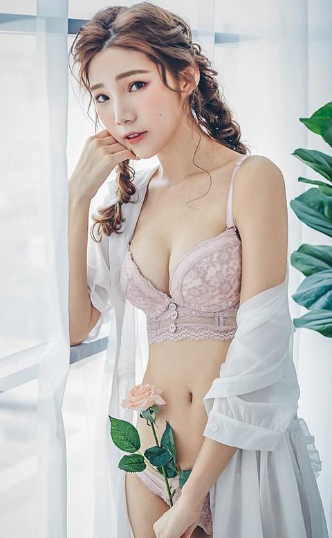 伊甸花園 蕾絲厚墊成套內衣褲 B-C nalla - 粉藕