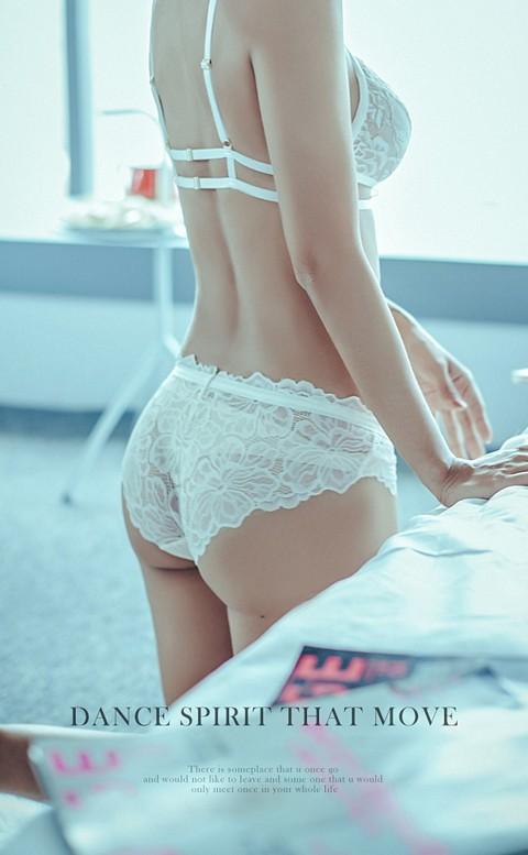 性感主宰  細緻歐式蕾絲內褲 M-L anSubRosa - 白色