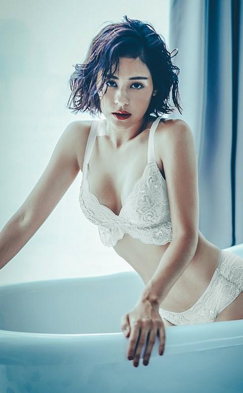 波本情調 胸前刺繡無襯成套內衣褲 S-XL anSubRosa - 白色