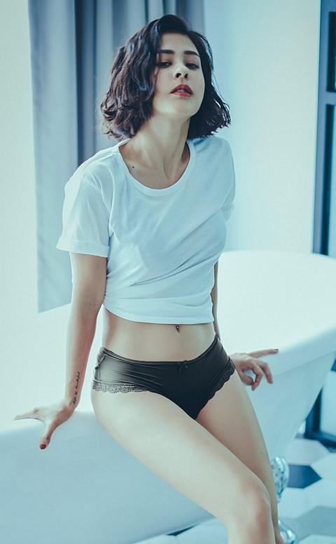 彩虹印記 鏤空交叉蜜桃臀內褲 M-L anSubRosa - 黑色