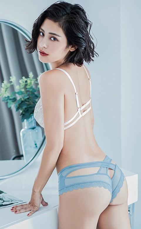 彩虹印記 鏤空交叉蜜桃臀內褲 M-L anSubRosa - 淺藍