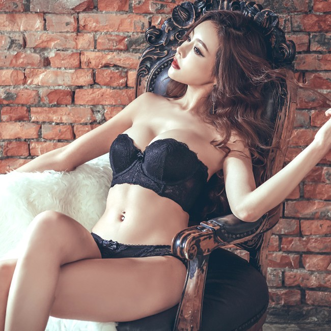 【首購免運費】女神美蒂絲 平口半罩馬甲成套內衣褲 A-C anSubRosa